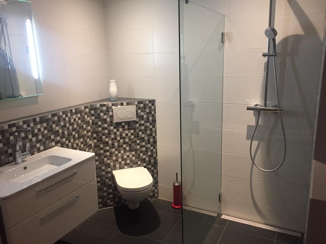 Glasplaat Douche Plaatsen : Douchecabines sanitair & tegelcentrum soesterberg amersfoort utrecht